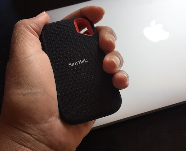 SanDisk Extreme Portable In The Hand